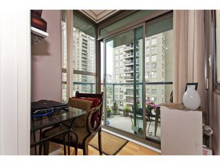 """Photo 7: 706 928 RICHARDS Street in Vancouver: Yaletown Condo for sale in """"THE SAVOY"""" (Vancouver West)  : MLS®# V911240"""