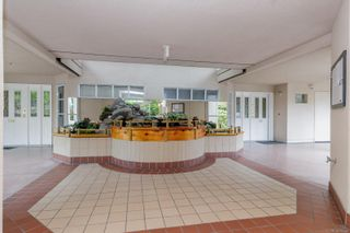 Photo 3: 112 55 Songhees Rd in : VW Songhees Condo for sale (Victoria West)  : MLS®# 876548