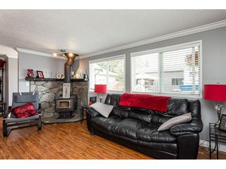 """Photo 4: 19659 36 Avenue in Langley: Brookswood Langley House for sale in """"Brookswood"""" : MLS®# R2496777"""