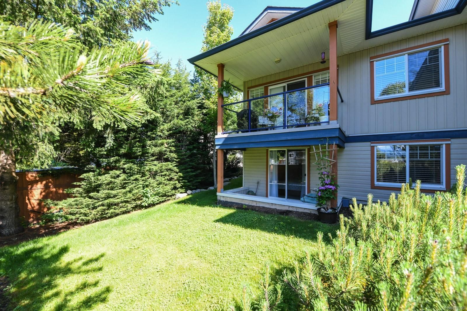 Main Photo: 213 930 Braidwood Rd in : CV Courtenay City Row/Townhouse for sale (Comox Valley)  : MLS®# 878320