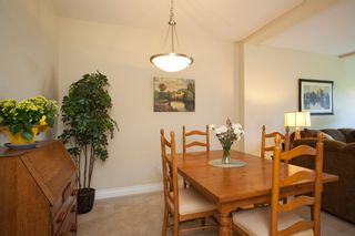 """Photo 5: 33 16655 64 Avenue in Surrey: Cloverdale BC Townhouse for sale in """"Ridgewoods Estates"""" (Cloverdale)  : MLS®# F1013342"""