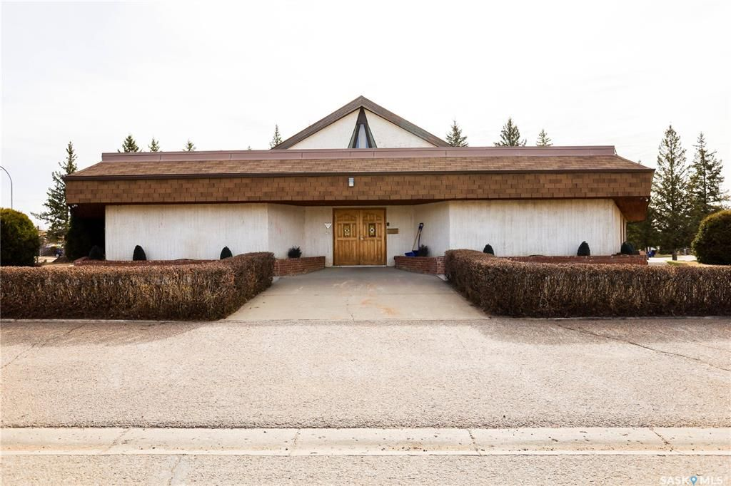 Main Photo: 52 4th Avenue West in Battleford: Commercial for sale : MLS®# SK852023