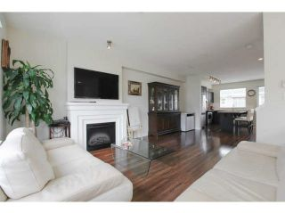 "Photo 1: 697 PREMIER Street in North Vancouver: Lynnmour Townhouse for sale in ""WEDGEWOOD"" : MLS®# V1112919"