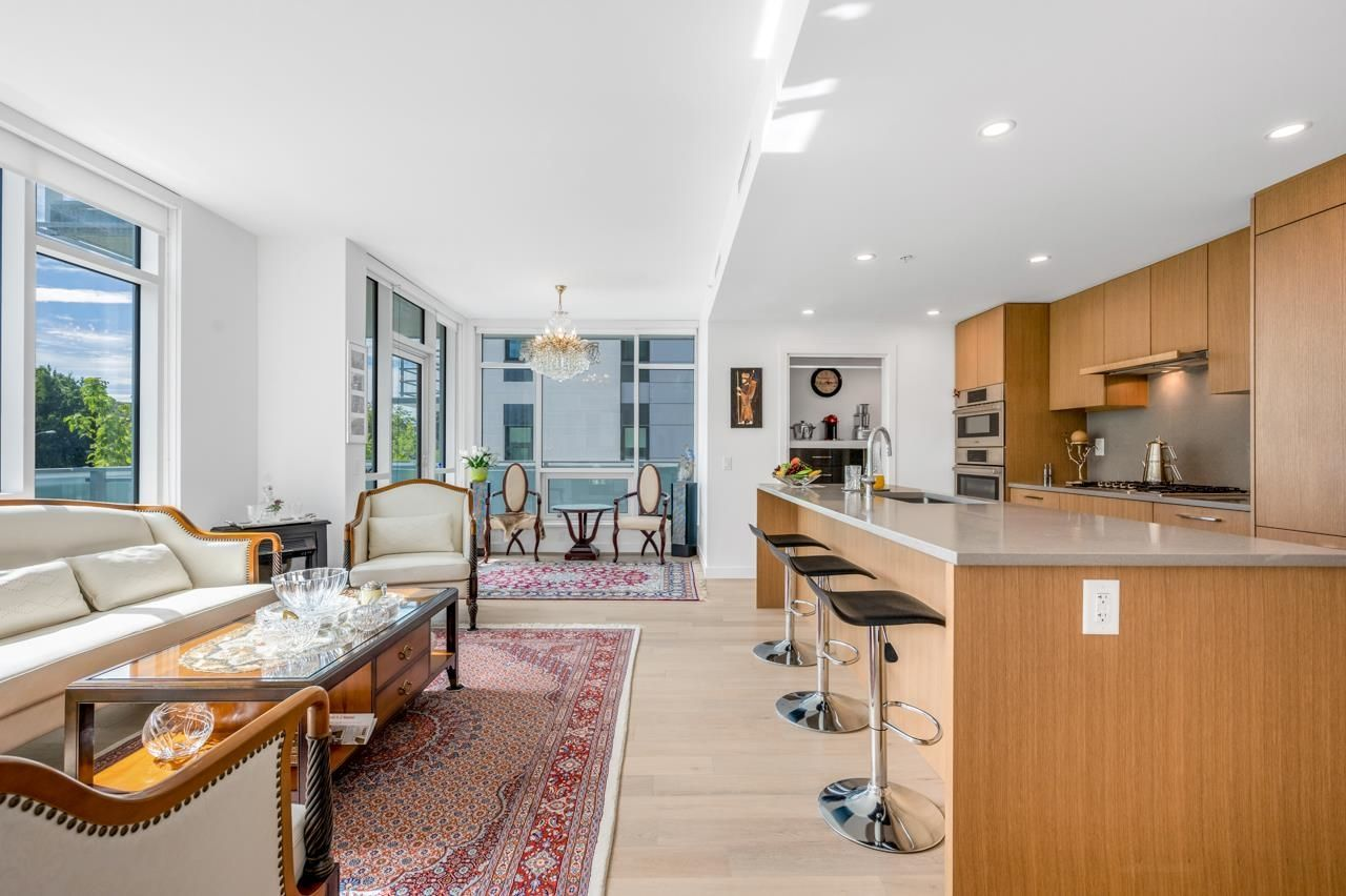 """Main Photo: 204 4988 CAMBIE Street in Vancouver: Cambie Condo for sale in """"Hawthorne"""" (Vancouver West)  : MLS®# R2619548"""