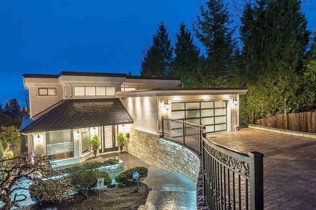 Main Photo: 2228 MATHERS Avenue in West Vancouver: Dundarave House for sale : MLS®# R2562824