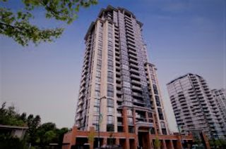 Photo 2: 807 13399 104 AVENUE in Surrey: Whalley Condo for sale (North Surrey)  : MLS®# R2189732
