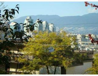 """Photo 1: 229 588 E 5TH Avenue in Vancouver: Mount Pleasant VE Condo for sale in """"MCGREGOR HOUSE"""" (Vancouver East)  : MLS®# V751524"""