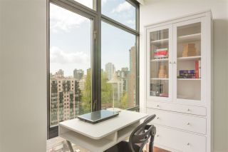 """Photo 12: 1502 1863 ALBERNI Street in Vancouver: West End VW Condo for sale in """"LUMIERE"""" (Vancouver West)  : MLS®# R2367109"""