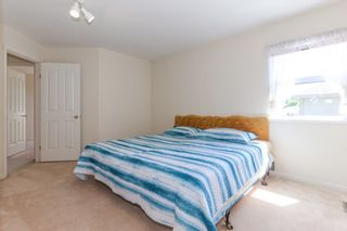 Photo 13: 15034 22 Avenue in White Rock: Sunnyside Park Surrey House for sale (South Surrey White Rock)  : MLS®# R2380431