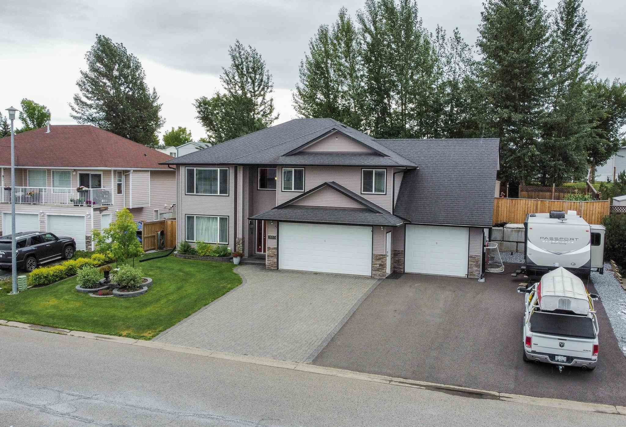 Main Photo: 3685 CHARTWELL Avenue in Prince George: Lafreniere House for sale (PG City South (Zone 74))  : MLS®# R2604337