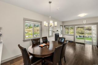 Photo 3: 15 Massey Pl in : VR Six Mile Row/Townhouse for sale (View Royal)  : MLS®# 868985