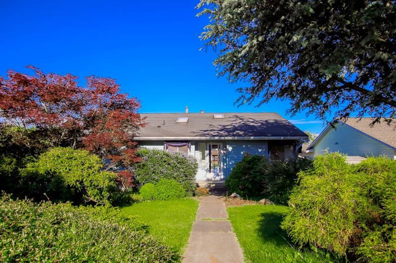 Main Photo: 1388 160 STREET in South Surrey White Rock: House for sale : MLS®# R2066706