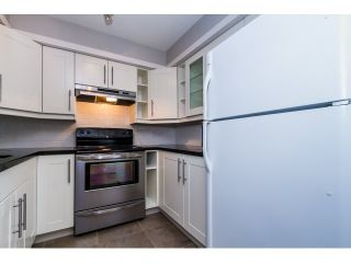 """Photo 6: 208 737 HAMILTON Street in New Westminster: Uptown NW Condo for sale in """"THE COURTYARD"""" : MLS®# R2060050"""