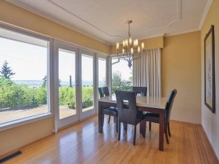 """Photo 13: 2095 MATHERS Avenue in West Vancouver: Ambleside House for sale in """"AMBLESIDE"""" : MLS®# V1078754"""