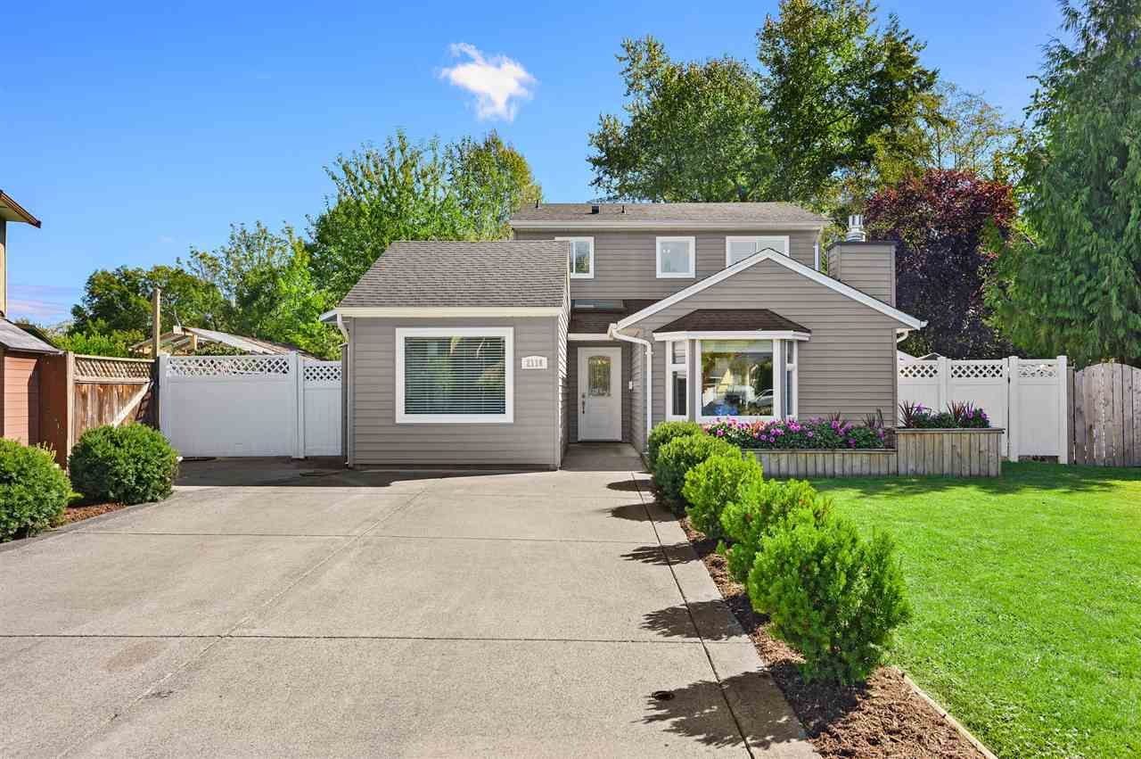 """Main Photo: 2116 WINSTON Court in Langley: Willoughby Heights House for sale in """"Langley Meadows"""" : MLS®# R2501723"""
