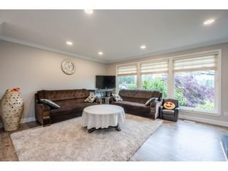 """Photo 6: 7731 DUNSMUIR Street in Mission: Mission BC House for sale in """"Heritage Park Area"""" : MLS®# R2597438"""