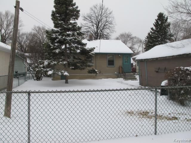 Photo 2: Photos:  in WINNIPEG: East Kildonan Residential for sale (North East Winnipeg)  : MLS®# 1325656