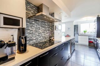 """Photo 13: 1702 320 ROYAL Avenue in New Westminster: Downtown NW Condo for sale in """"Peppertree"""" : MLS®# R2583293"""
