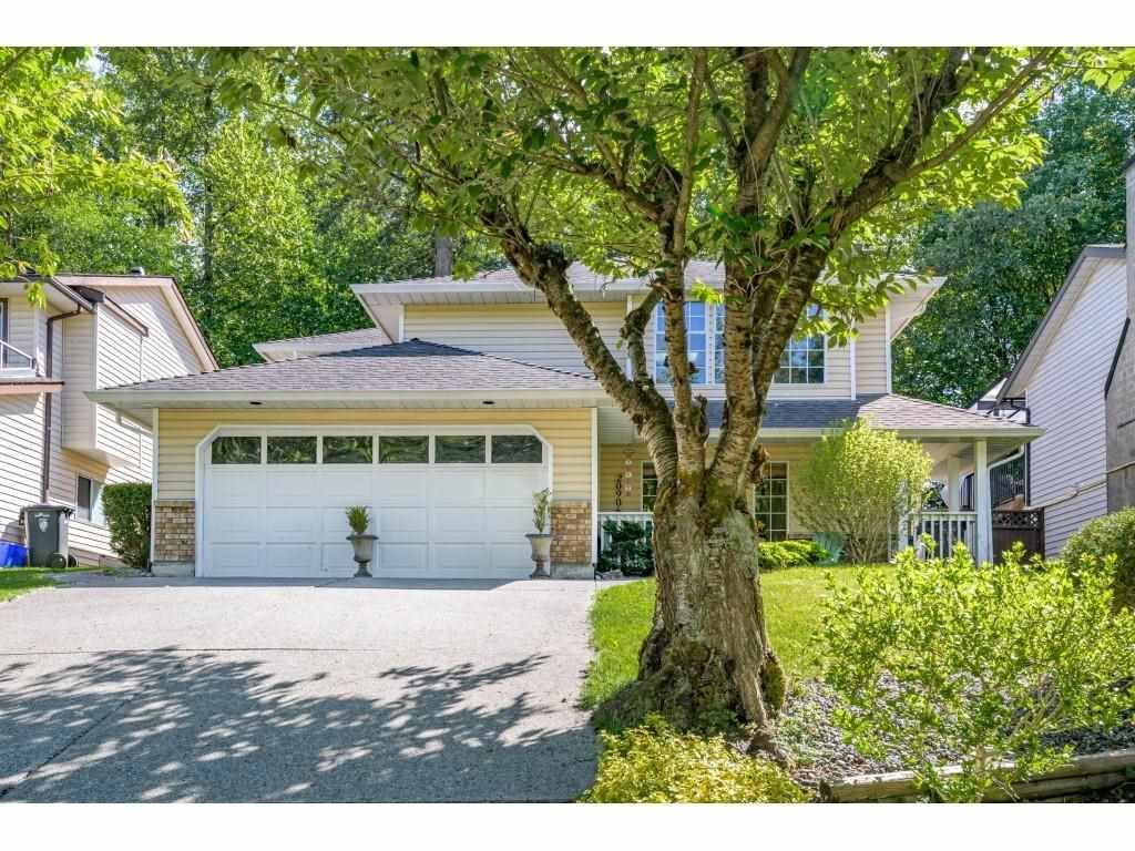 Main Photo: 20906 94B Avenue in Langley: Walnut Grove House for sale : MLS®# R2588738