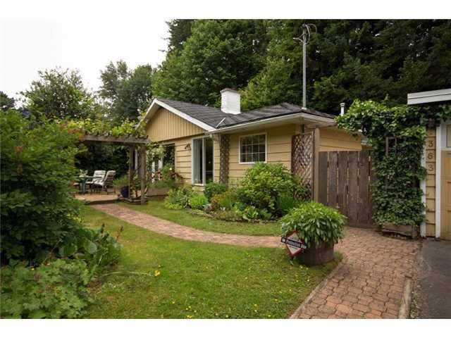Main Photo: 1363 Arborlynn Drive North Vancouver