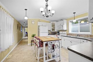 """Photo 7: 72 11847 PINYON Drive in Pitt Meadows: Central Meadows Manufactured Home for sale in """"Meadow Highlands Co-op"""" : MLS®# R2420796"""