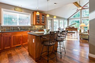 Photo 4: 2257 June Rd in : CV Courtenay North House for sale (Comox Valley)  : MLS®# 865482