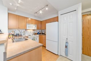 """Photo 7: 407 680 CLARKSON Street in New Westminster: Downtown NW Condo for sale in """"THE CLARKSON"""" : MLS®# R2595710"""