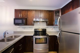 """Photo 13: 108 6475 CHESTER Street in Vancouver: Fraser VE Condo for sale in """"Southridge House"""" (Vancouver East)  : MLS®# R2439801"""