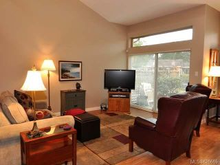 Photo 2: 911 Lakes Blvd in FRENCH CREEK: PQ French Creek Row/Townhouse for sale (Parksville/Qualicum)  : MLS®# 626665
