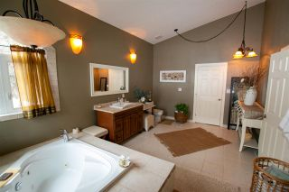 Photo 30: 857 West Cove Drive: Rural Lac Ste. Anne County House for sale : MLS®# E4227834