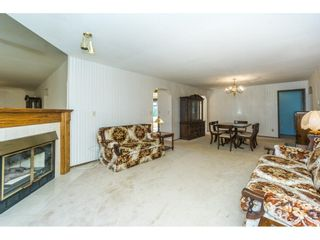 """Photo 4: 102 15153 98 Avenue in Surrey: Guildford Townhouse for sale in """"GLENWOOD VILLAGE"""" (North Surrey)  : MLS®# R2302083"""