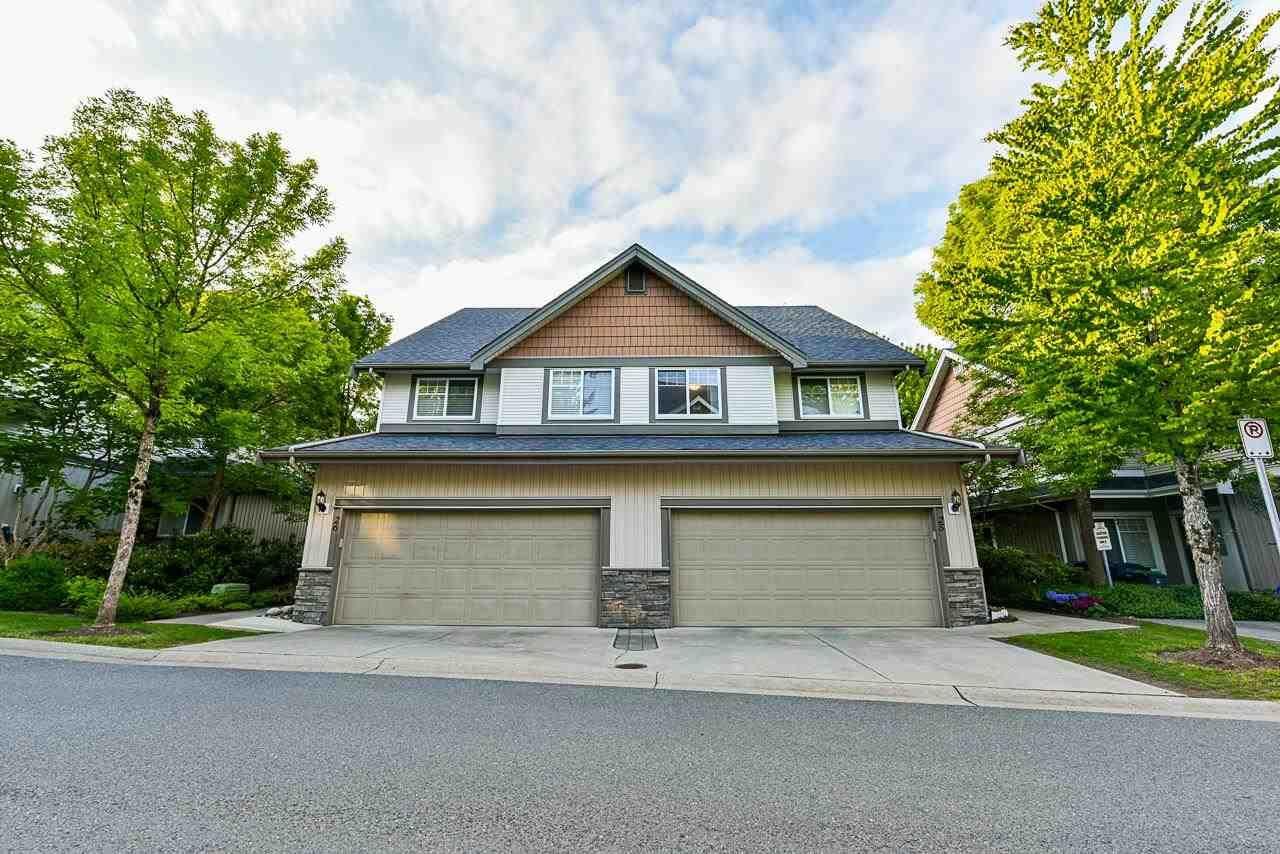"Main Photo: 25 8717 159 Street in Surrey: Fleetwood Tynehead 1/2 Duplex for sale in ""Springfield Gardens"" : MLS®# R2577958"