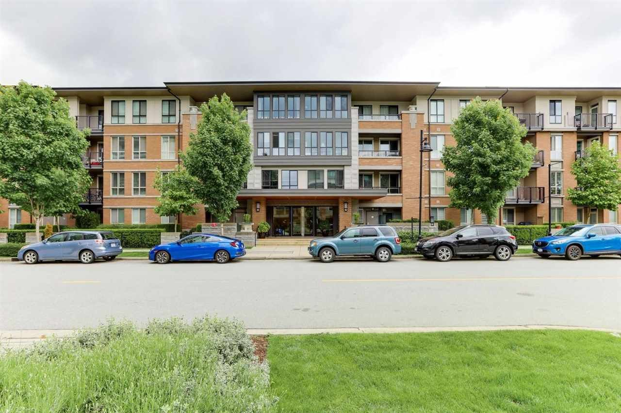 """Main Photo: 411 3107 WINDSOR Gate in Coquitlam: New Horizons Condo for sale in """"BRADLEY HOUSE"""" : MLS®# R2587443"""