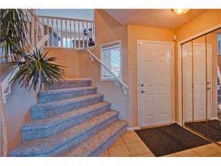 Photo 2: 125 SPRING Crescent SW in Calgary: Springbank Hill House for sale : MLS®# C4077797