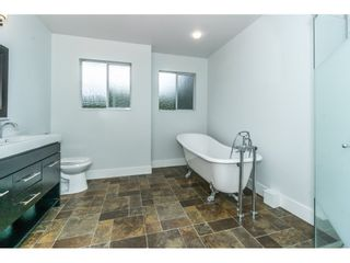 Photo 17: 20250 48 AVENUE in Langley: Langley City Home for sale ()  : MLS®# R2305434
