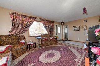 Photo 8: 204 Witney Avenue South in Saskatoon: Meadowgreen Residential for sale : MLS®# SK845574