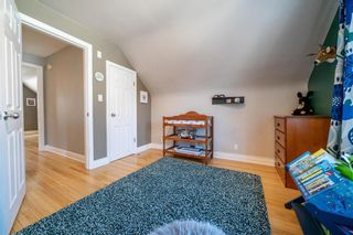 Photo 18: 432 CENTENNIAL Street in Winnipeg: River Heights North Residential for sale (1C)  : MLS®# 202102305