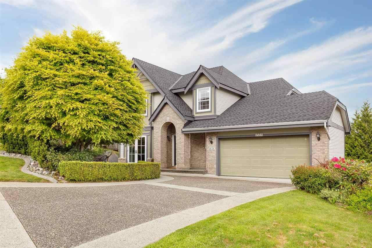 Main Photo: 1535 EAGLE MOUNTAIN Drive in Coquitlam: Westwood Plateau House for sale : MLS®# R2583376