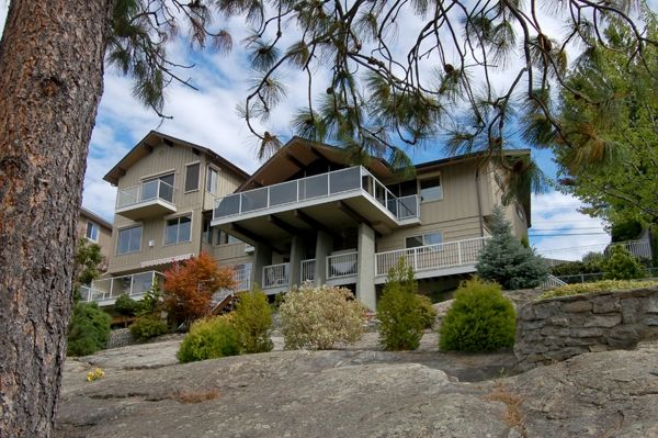Photo 1: Photos: 4021 Lakeside Road in Penticton: Penticton South Residential Detached for sale : MLS®# 136028