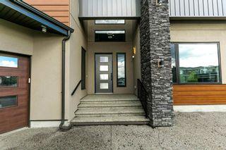 Photo 3: 2739 WHEATON Drive in Edmonton: Zone 56 House for sale : MLS®# E4264140
