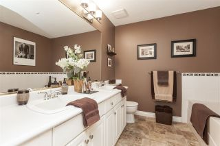 """Photo 16: 12 21579 88B Avenue in Langley: Walnut Grove Townhouse for sale in """"Carriage Park"""" : MLS®# R2439015"""