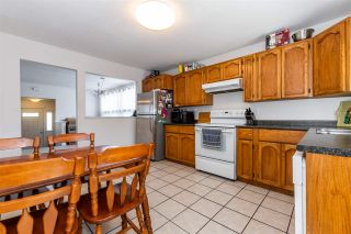 """Photo 12: 45640 NEWBY Drive in Chilliwack: Sardis West Vedder Rd House for sale in """"SARDIS"""" (Sardis)  : MLS®# R2481893"""