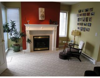 """Photo 5: 406 688 E 16TH Avenue in Vancouver: Fraser VE Condo for sale in """"VINTAGE EAST"""" (Vancouver East)  : MLS®# V710673"""