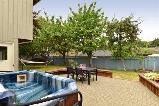 "Photo 17: 11057 WESTRIDGE Place in Delta: Sunshine Hills Woods House for sale in ""Sunshine Village"" (N. Delta)  : MLS®# R2298594"