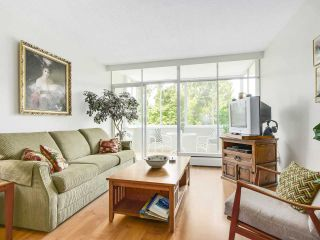 Photo 3: 606 1425 ESQUIMALT AVENUE in West Vancouver: Ambleside Condo for sale : MLS®# R2194722