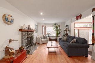 """Photo 4: 41361 KINGSWOOD Road in Squamish: Brackendale House for sale in """"BRACKENDALE"""" : MLS®# R2618512"""