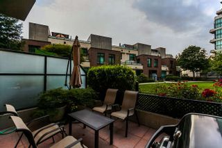 Photo 16: 105 10 RENAISSANCE SQUARE in New Westminster: Quay Condo for sale : MLS®# R2188809