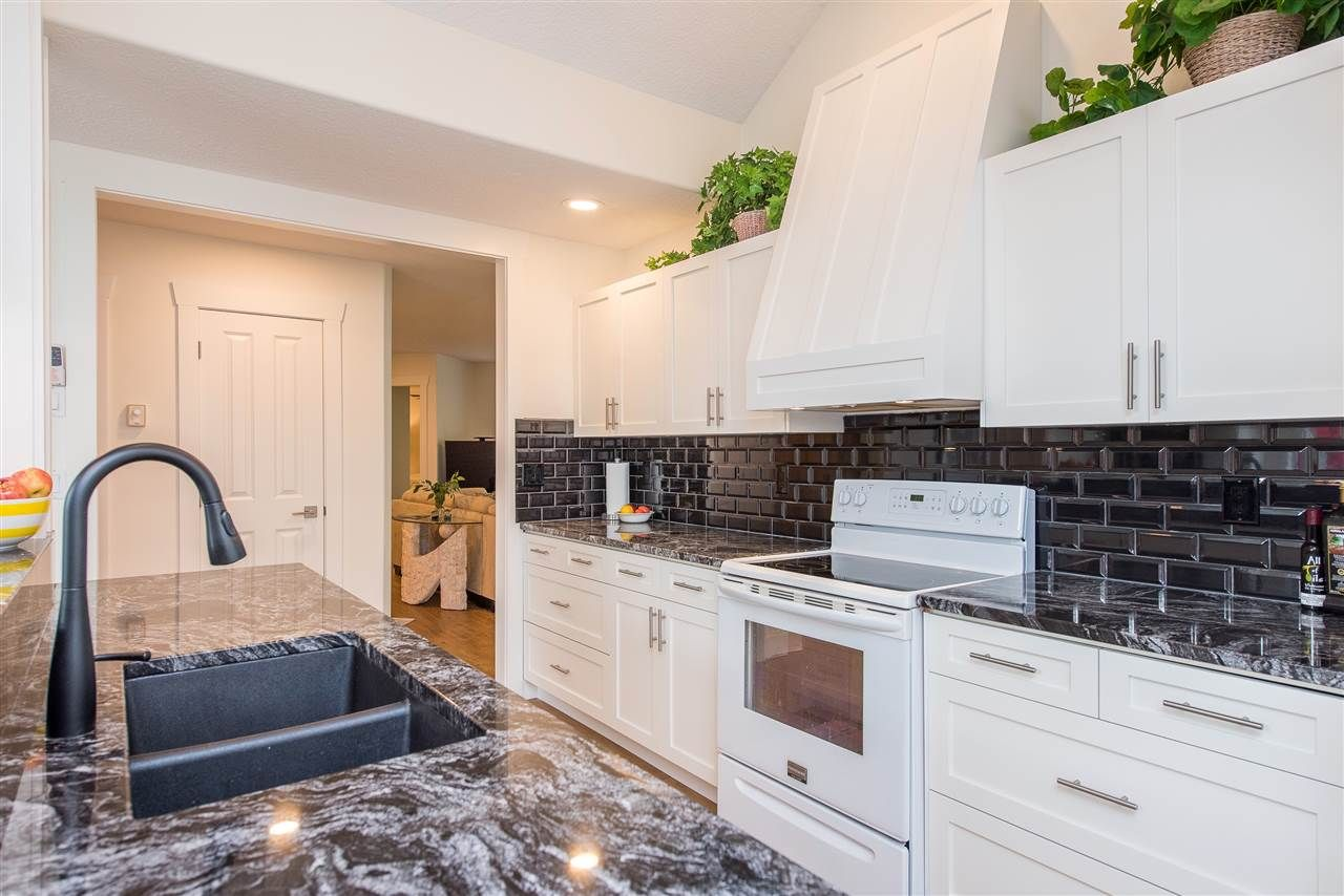 """Photo 5: Photos: 62 4001 OLD CLAYBURN Road in Abbotsford: Abbotsford East Townhouse for sale in """"CEDAR SPRINGS"""" : MLS®# R2513100"""