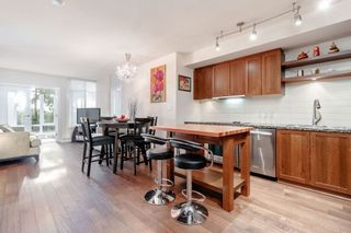 Photo 2: 331 2288 W BROADWAY AVENUE in Vancouver: Kitsilano Condo for sale (Vancouver West)  : MLS®# R2421744