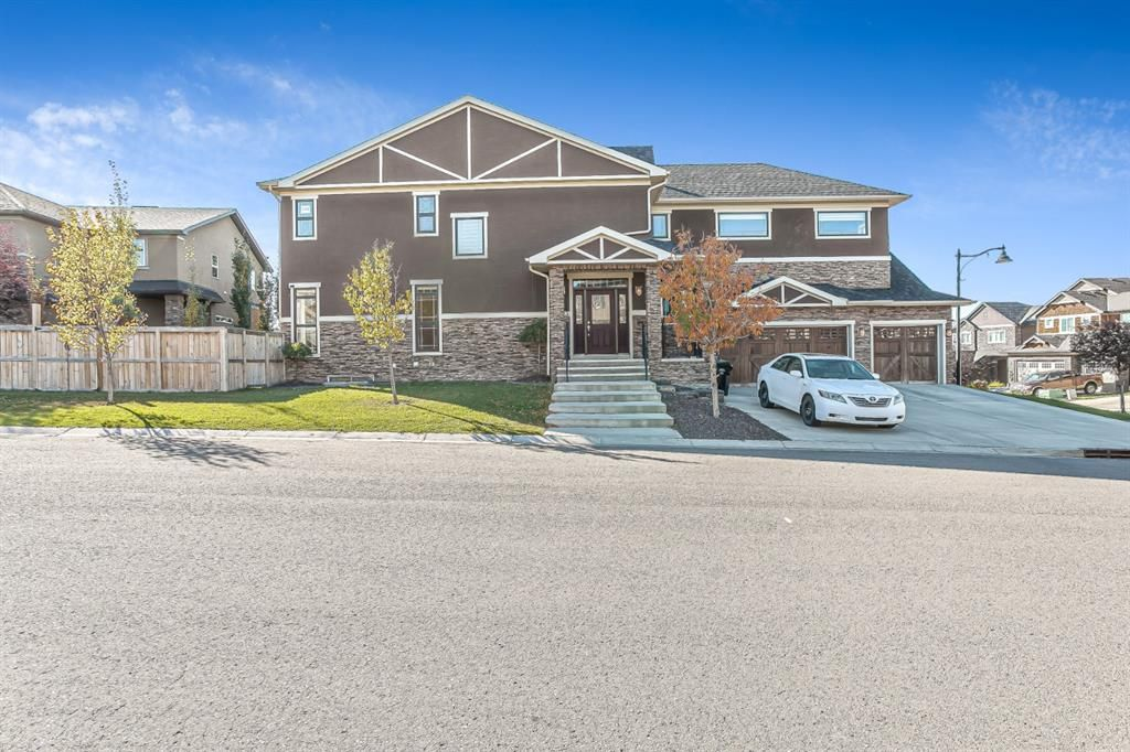 Main Photo: 123 ASPENSHIRE Drive SW in Calgary: Aspen Woods Detached for sale : MLS®# A1151320